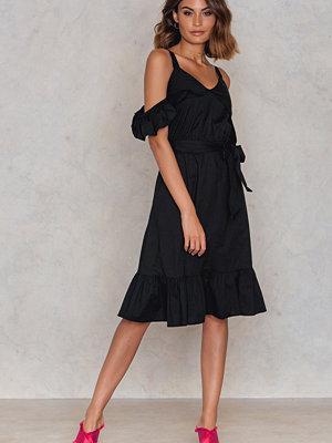 Trendyol Siyah Frill Sheer Dress - Midiklänningar