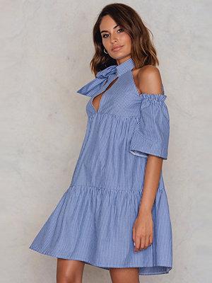 Trendyol Mavi Cold Shoulder Dress