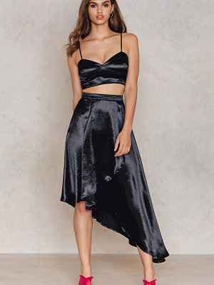 Boohoo Wrap Skirt & Bralet Co-ord svart