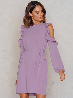 NA-KD Frill Cold Shoulder Dress