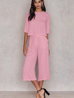 NA-KD gammelrosa byxor Flared Culotte Pants rosa