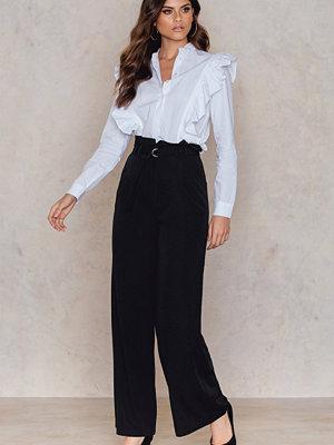 NA-KD Trend svarta byxor Paperbag Waist Wide Pants svart