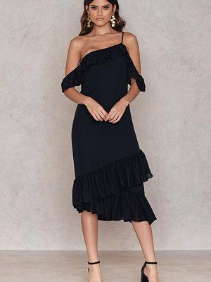 NA-KD Cold Shoulder Thin Strap Frill Dress