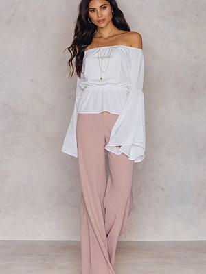Hannalicious x NA-KD persikofärgade byxor Flared Suiting Pants