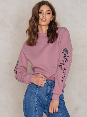 NA-KD Rose Embroidery Sleeve Sweater rosa