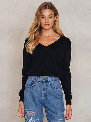 NA-KD Basic V-neck Basic Sweater svart