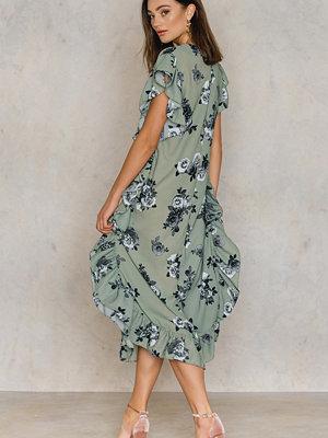NA-KD Boho Ruffle Dress grön