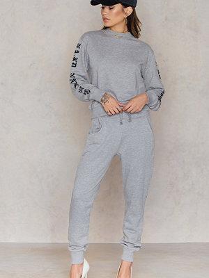 NA-KD Basic ljusgrå byxor Basic Sweatpants