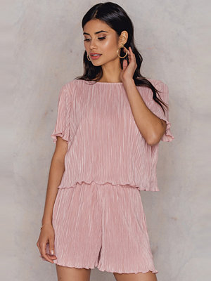 Hannalicious x NA-KD Pleated Top & Shorts Set rosa