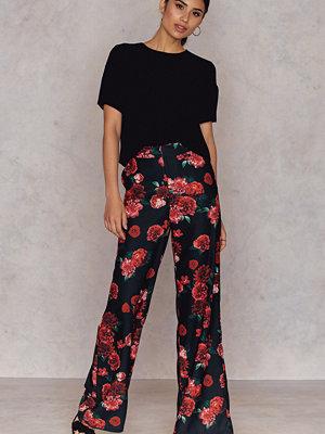 Hannalicious x NA-KD mönstrade byxor Flared Suiting Pants multicolor