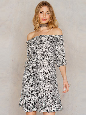 NA-KD Boho Off Shoulder Printed Dress