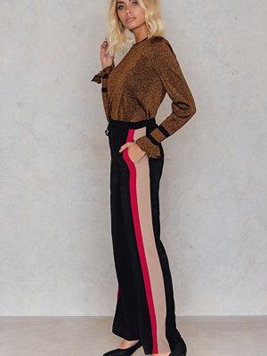 Byxor - Neon Rose Sport Stripe Wide Leg Pant