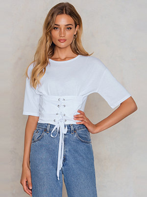 NA-KD Corset Front Cropped Tee