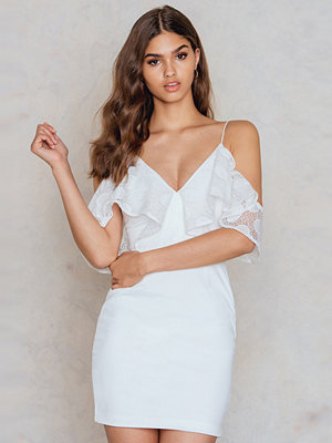 Festklänningar - Rare London Cold Shoulder Frill Dress