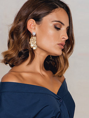 NA-KD Accessories örhängen Pearl Structured Earring