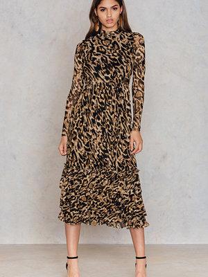 NA-KD Trend Leo Mesh Frill Dress