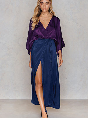 NA-KD Trend Satin Coat Dress