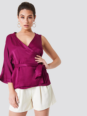 NA-KD Party One Sleeve Wrap Kimono lila
