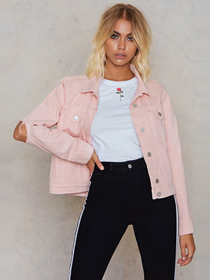 NA-KD Cut Out Sleeve Denim Jacket rosa