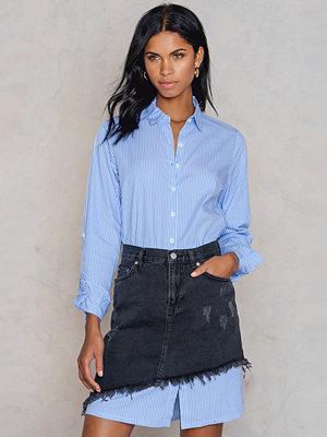 NA-KD Trend Slanting Hem Denim Skirt