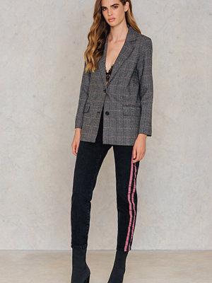 NA-KD Highwaist Double Stripe Jeans svart