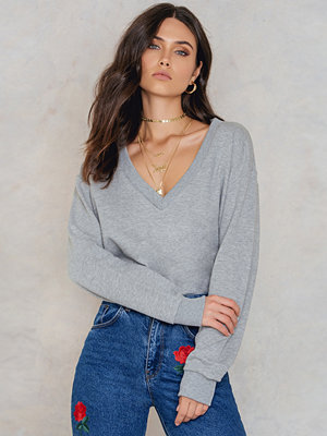 NA-KD Basic V-neck Basic Sweater