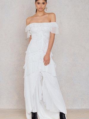 Trendyol Ruffle Lace Maxi Dress