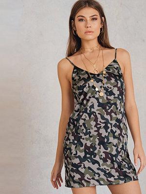 NA-KD Trend Army Mini Slip Dress
