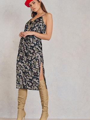 NA-KD Trend Army Midi Slip Dress