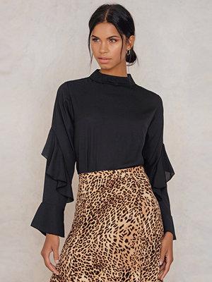 Rut & Circle Sonya Frill Sleeve Blouse