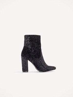 NA-KD Shoes Velvet Mid Heel Boot svart