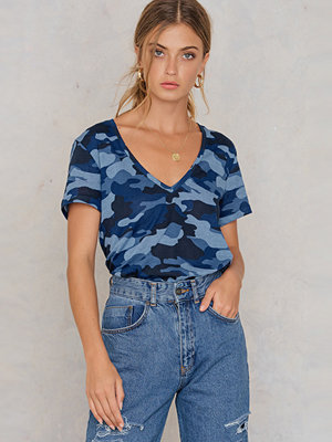 T-shirts - NA-KD Army V-neck Tee