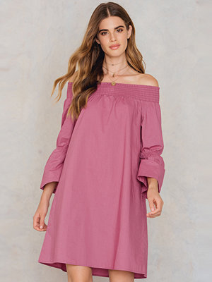 NA-KD Boho Off Shoulder Knot Back Dress