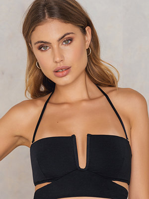 Less is More Cutted Bikini Top