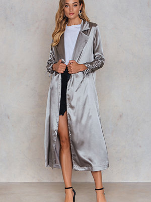 Boohoo Ruched Sleeve Duster grå