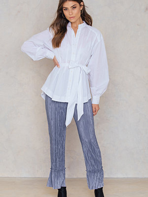 NA-KD Pleated Frill Pants - Byxor omönstrade