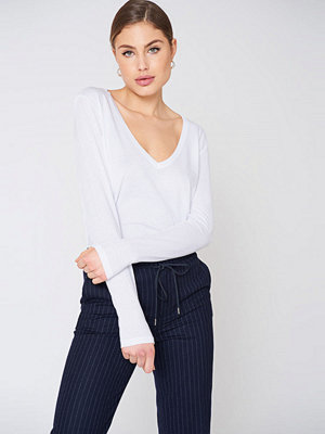 NA-KD Basic V-neck Long Sleeve Top vit