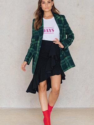 Boohoo Ruffle Hem Crepe Skirt