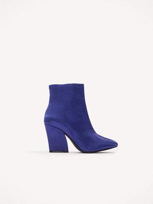 Pumps & klackskor - NA-KD Shoes Satin Mid Heel Boots blå