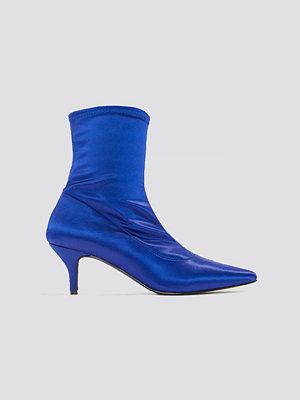 NA-KD Shoes Satin Kitten Heel Sock Boots blå