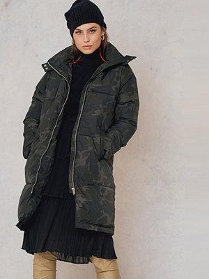 NA-KD Trend Long Camo Padded Jacket