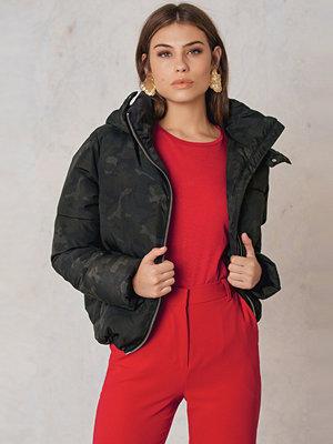 NA-KD Trend Camo Padded Jacket