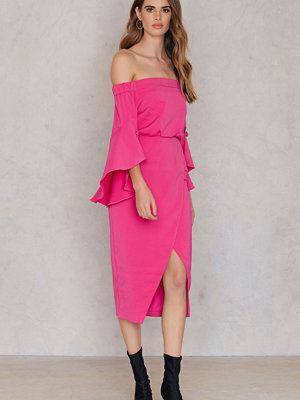 Lavish Alice Bell Frill Sleeve Dress