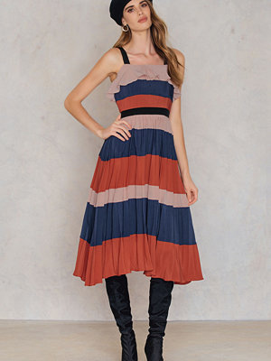 Endless Rose Pleated Dress