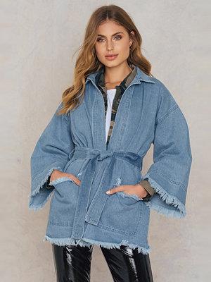 NA-KD Raw Hem Denim Kimono blå