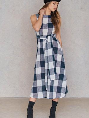 SheIn Tie Waist Check Dress