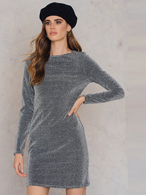 NA-KD Party Round Neck Glittery Dress silver
