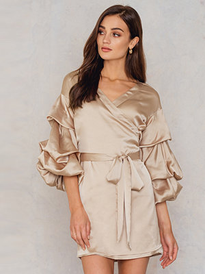 Hot & Delicious Bubble Sleeve Satin Dress brun beige