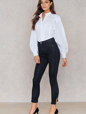 NA-KD Highwaist Long Side Slit Jeans