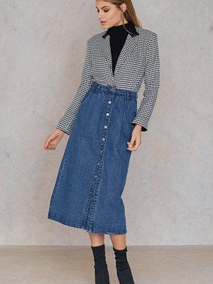 Qontrast X NA-KD Front Button Denim skirt